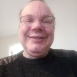 Simeon is looking for singles for a date