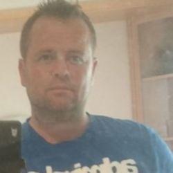Gary (43)