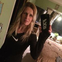 Lisa, 42 from Manitoba