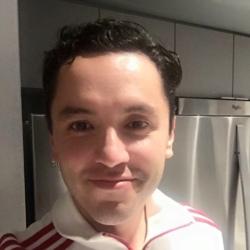 Daniel (33)