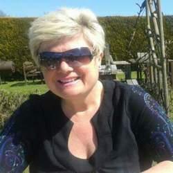 Nicki (54)