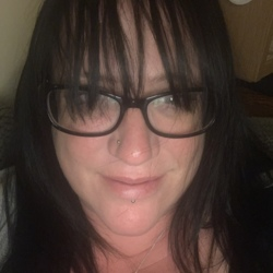 Janine is looking for singles for a date
