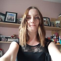 Sophie (28)