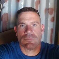 Travis (43)
