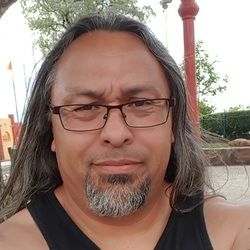 Louie, 46 from New Mexico