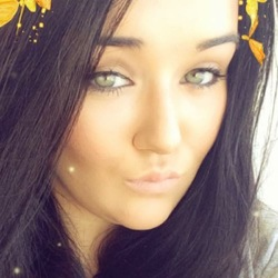 Sarah-Jayne is looking for singles for a date