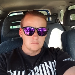 Bernhard is looking for singles for a date