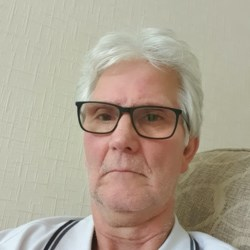Mervyn is looking for singles for a date