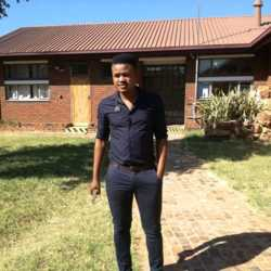 Sihle is looking for singles for a date