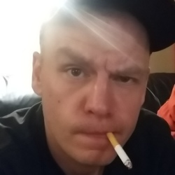 Gord, 31 from Ontario