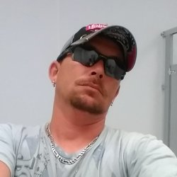 Johnny, 38 from Georgia