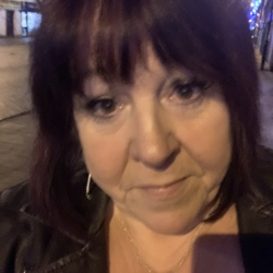 Debi is looking for singles for a date
