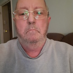 Mevyn is looking for singles for a date
