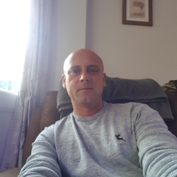 Micky is looking for singles for a date