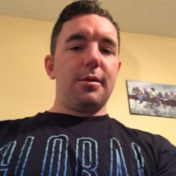 Lee is looking for singles for a date