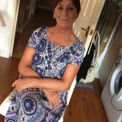 Rosemarie is looking for singles for a date