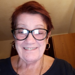 Eileen is looking for singles for a date