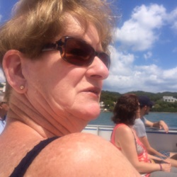 Glenys is looking for singles for a date