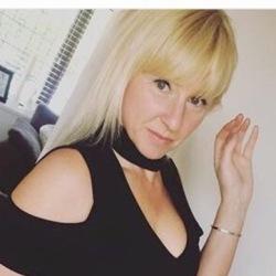 Julie (45)