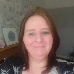 Paula is looking for singles for a date