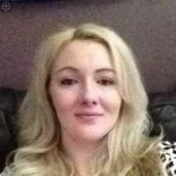 Eva is looking for singles for a date