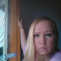 Jatasha is looking for singles for a date