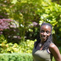 Ayoola is looking for singles for a date