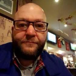Simon (45)