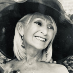 Pauline (63)